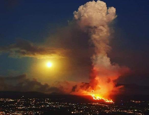 Λα Πάλμα – Δεν έχουν τέλος οι εκρήξεις – Εκκενώνονται και άλλες περιοχές – Αποχωρούν οι πυροσβεστικές δυνάμεις