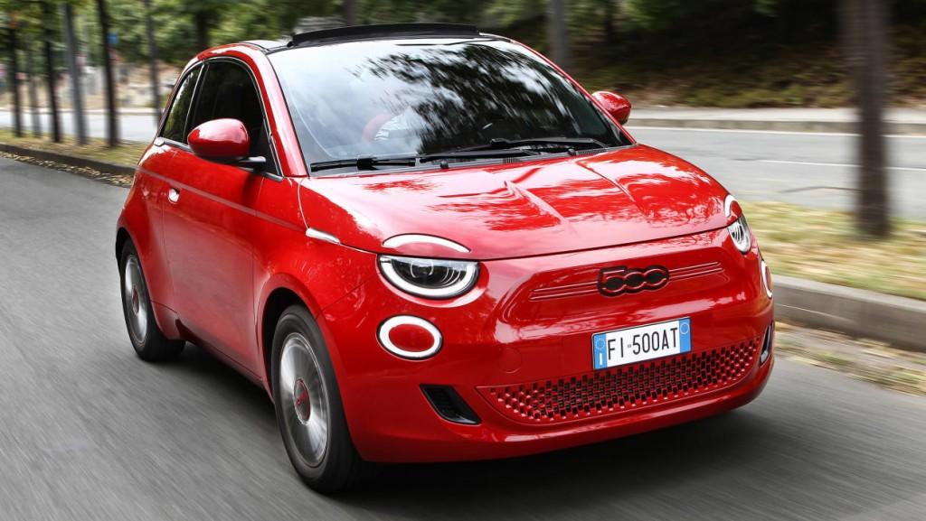 Fiat (500) RED: Ηλεκτρισμός στα κόκκινα για καλό σκοπό