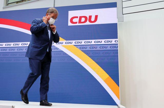 Γερμανία – Μάχη πολιτικής επιβίωσης για τον Άρμιν Λάσετ – Ζητούν την παραίτησή του μετά τη συντριβή στις βουλευτικές εκλογές