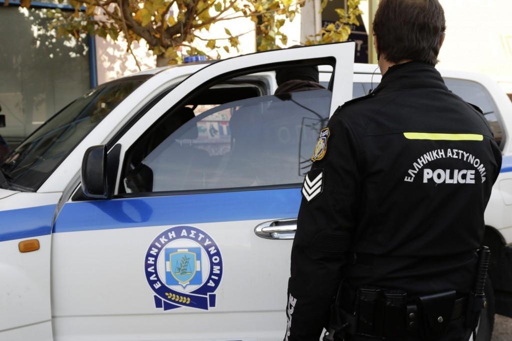 Χαλάνδρι – Συνελήφθησαν τέσσερα άτομα για κλοπές καταλυτών
