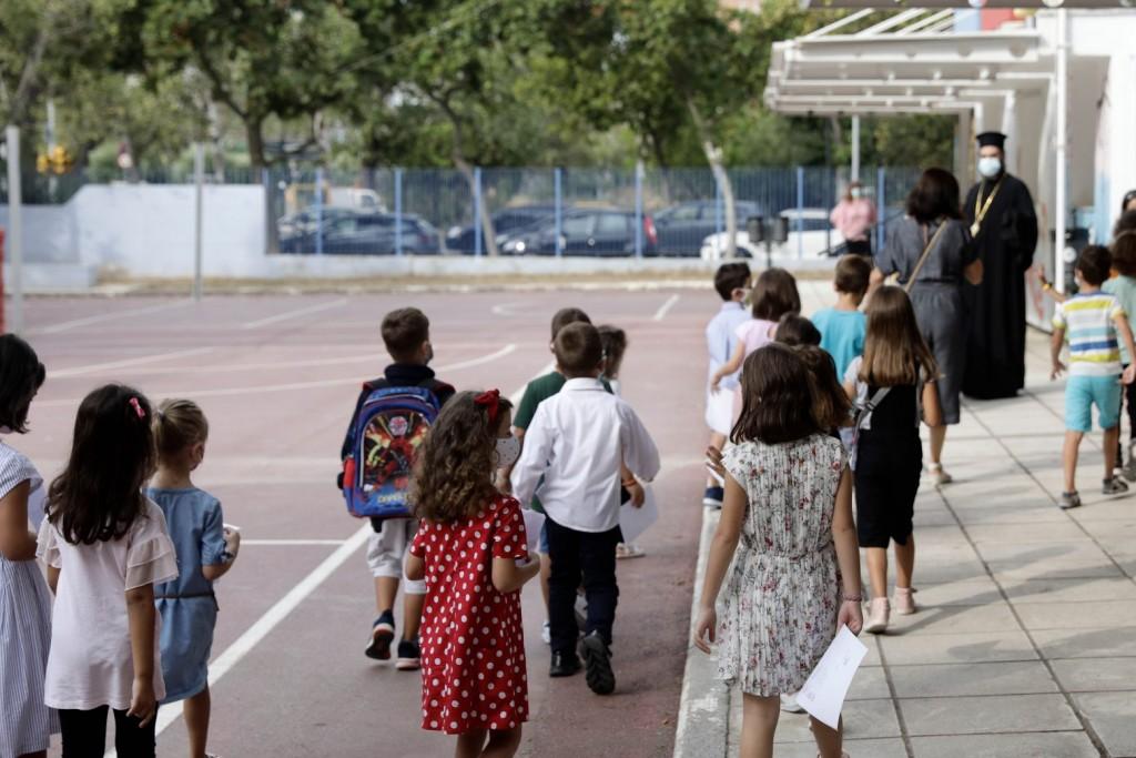 Θεμιστοκλέους – Περιμένουμε αύξηση των κρουσμάτων στα σχολεία – Πόσα παιδιά έχουν ήδη εμβολιαστεί