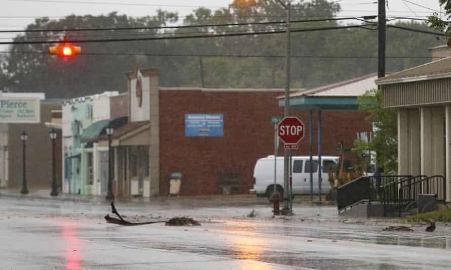 ΗΠΑ – Σε κατάσταση έκτακτης ανάγκης η Λουιζιάνα εξαιτίας του τυφώνα «Νίκολας»