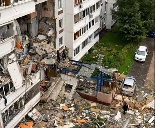 Ρωσία – Δύο νεκροί από έκρηξη σε πολυκατοικία [Σοκαριστικά βίντεο]