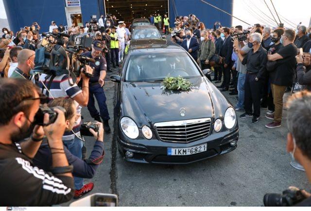 Μίκης Θεοδωράκης – Η Ελλάδα αποχαιρετά τον μεγάλο μουσικοσυνθέτη – Στην κρητική γη η σορός του