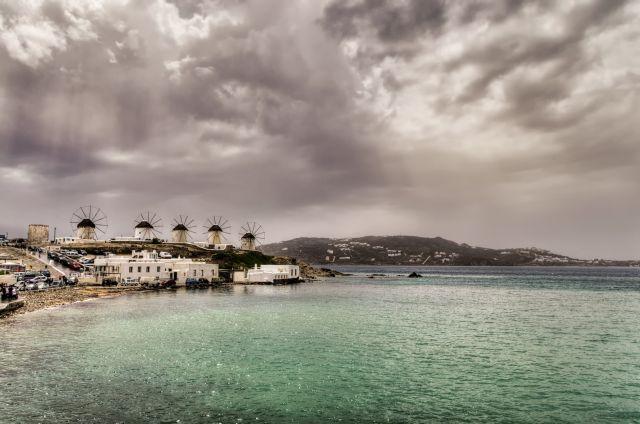 Καιρός – Σκαρφαλώνει ο υδράργυρος – Πού θα σημειωθούν καταιγίδες