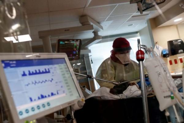 Ο κοροναϊός «ταλαιπωρεί» τους ασθενείς ακόμη και έξι μήνες μετά τη νόσηση – Τα επτά συμπτώματα που «δείχνουν» μόλυνση