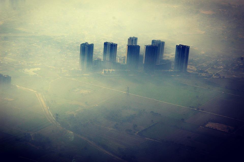 Παγκόσμια Τράπεζα – Η ατμοσφαιρική ρύπανση «πνίγει» το 6,1% του παγκόσμιου ΑΕΠ