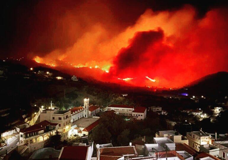Κάρπαθος – Μάχη για δεύτερη μέρα με τις φλόγες – Πού υπάρχει ενεργό μέτωπο