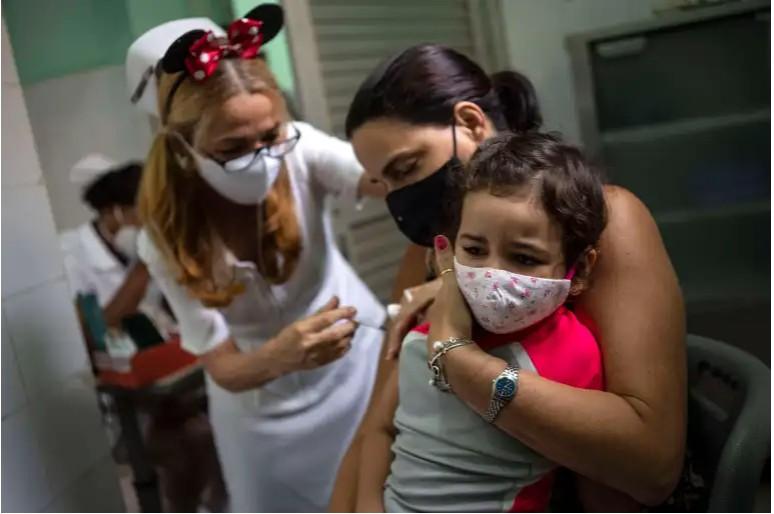 Επιμένει ο SARS-CoV-2 στην Κούβα – Αλλοι 75 θάνατοι και 8.291 κρούσματα το τελευταίο 24ωρο