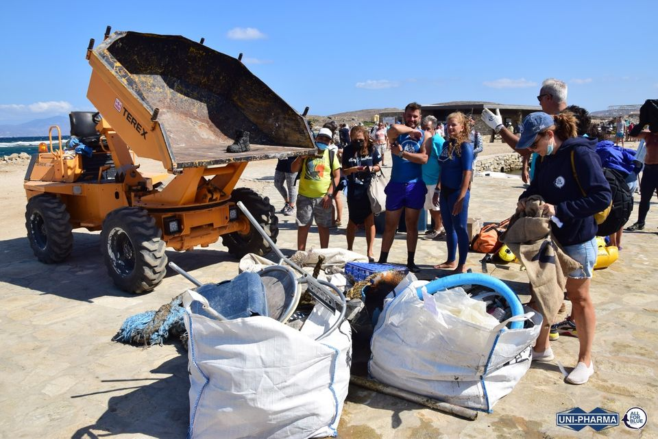 Delos – More than a ton of debris was removed from the seabed