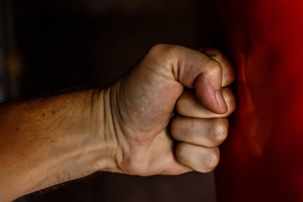 Λάρισα – Άγριος καβγάς σε χωριό – Στο νοσοκομείο ένας άνδρας