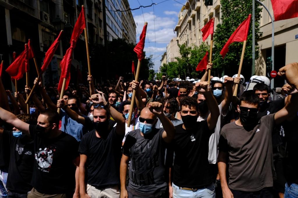 Φοιτητές – Διαδηλώνουν την Πέμπτη στην Αθήνα για να ανοίξουν οι σχολές – Καταγγέλλουν τη φασιστική επίθεση στην Σταυρούπολη