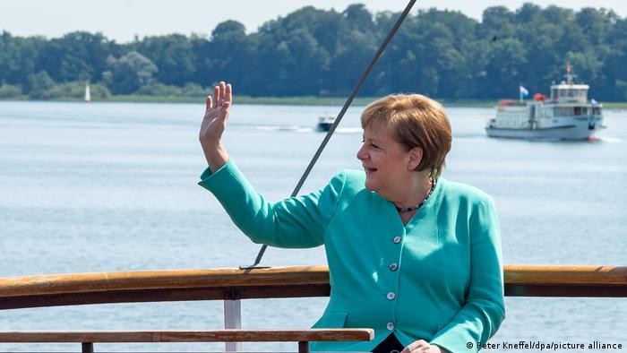 Γερμανικές εκλογές – Οι πρωταγωνιστές που αποχωρούν και ο… Σόιμπλε που επιμένει