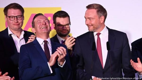 Γερμανία - Το «κόμμα των πλουσίων» ρυθμιστής των μετεκλογικών εξελίξεων
