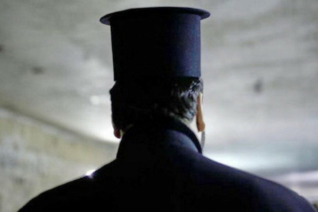 Θεσσαλονίκη – 32χρονος εκβίαζε κληρικό που του είχε δανείσει χρήματα – Τρεις συλλήψεις