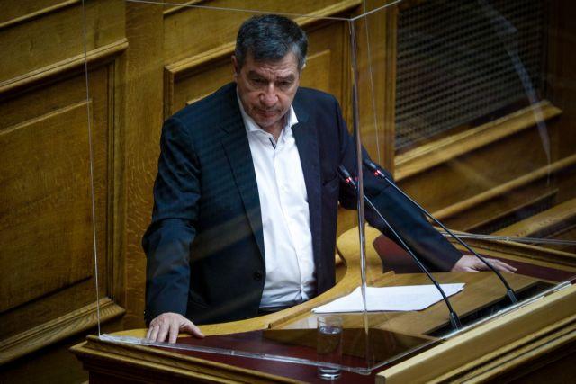 Βουλή – Καμίνης προς Μηταράκη – «Παραπλανείτε τους πάντες για το προσφυγικό»