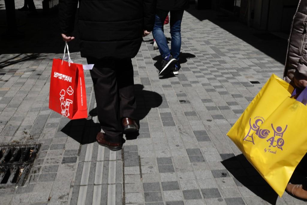Ποιος κλάδος «έριξε» τις λιανικές πωλήσεις στην Ευρώπη