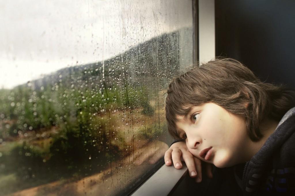 Κούραση, υπνηλία και αδυναμία συγκέντρωσης στο 4% των παιδιών μετά τον κοροναϊό