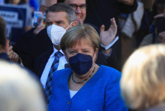 Εκλογές στη Γερμανία – Η Μέρκελ κάλεσε τους Γερμανούς να ψηφίσουν τον Λάσετ για το «μέλλον» της χώρας