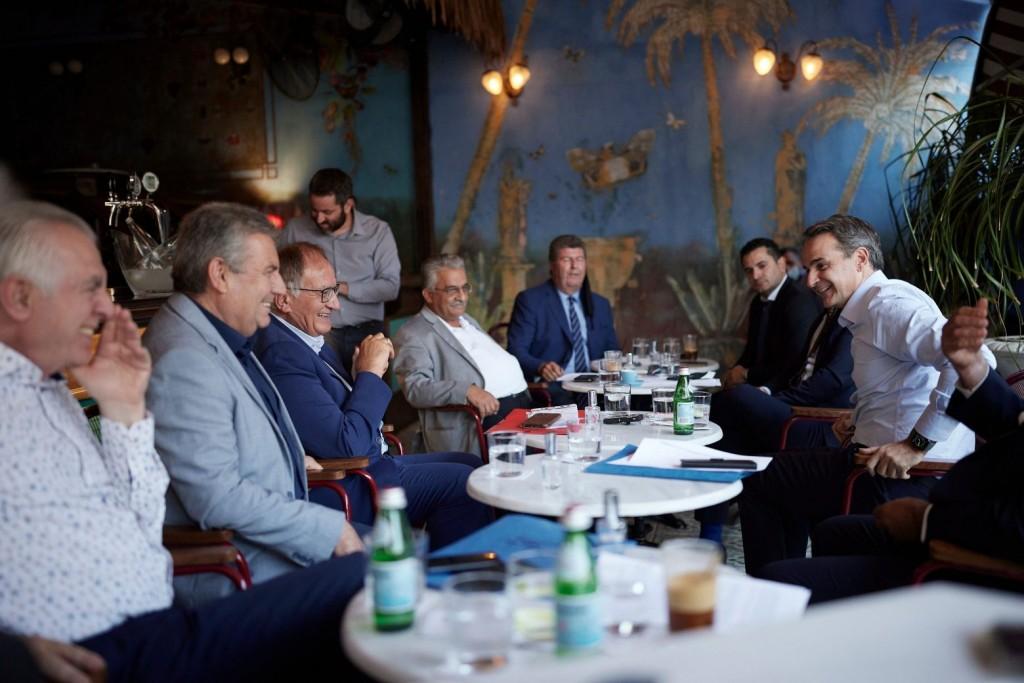 Μητσοτάκης – Συνάντηση με τους δημάρχους της Δυτικής Αθήνας – Τι συζητήθηκε
