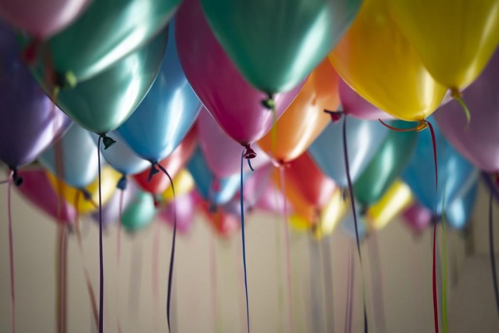 Ειδικοί ζητούν να μπει «φρένο» στα παιδικά πάρτι – Τι φοβούνται