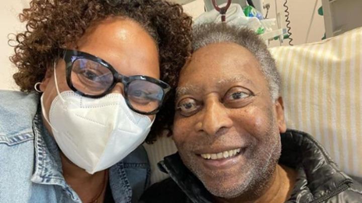Αγωνία για τον Πελέ μετά την εισαγωγή του σε ΜΕΘ – «Αναρρώνει καλά» λέει η κόρη του