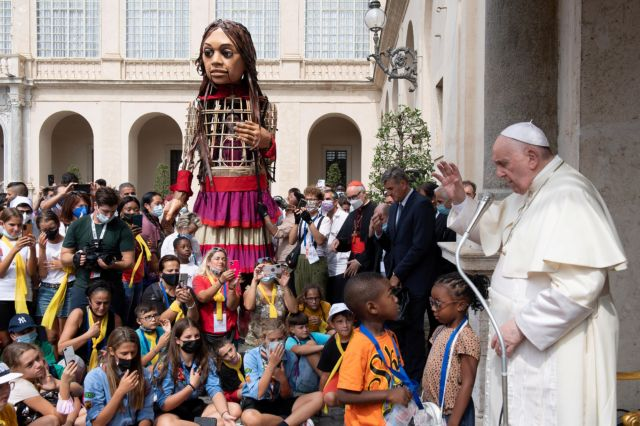 Η Αμάλ στο Βατικανό – Την υποδέχθηκε ο πάπας Φραγκίσκος