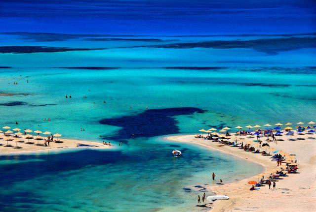Κέρδισε το στοίχημα του τουρισμού η Κρήτη – Θα υποδέχεται τουρίστες μέχρι τον Νοέμβριο