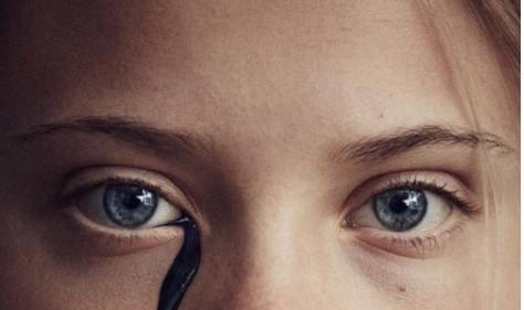 Γκρέτα Τούνμπεργκ – Λούστηκε με «πετρέλαιο» για το εξώφυλλο του περιοδικού του Guardian