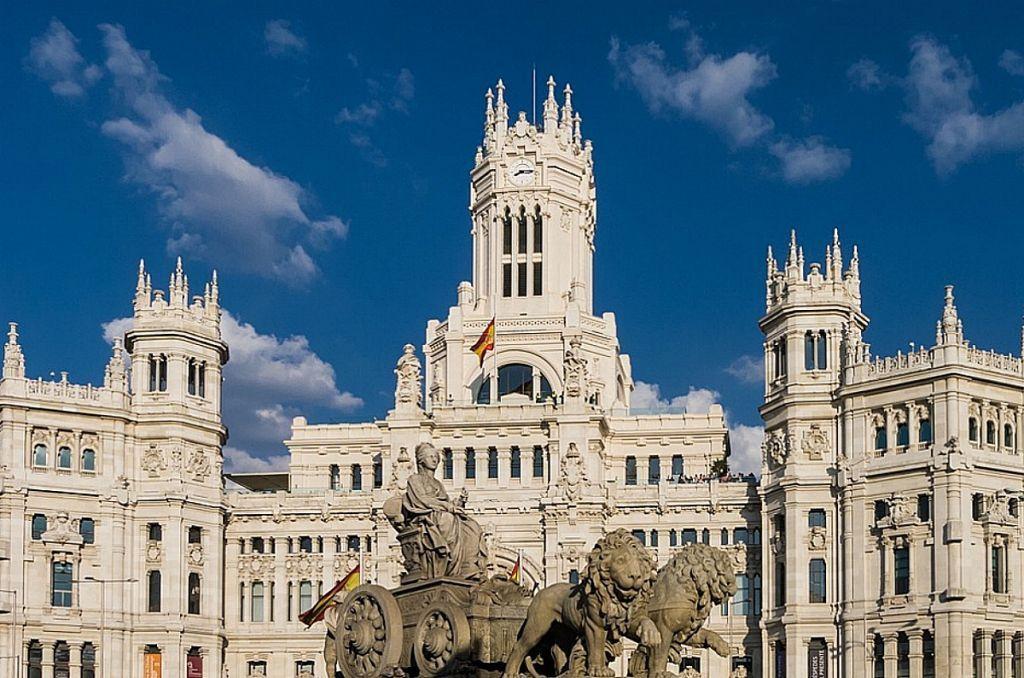 Ισπανία – Αύξηση 2% σε όλους τους δημόσιους υπαλλήλους