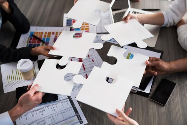 Μικρομεσαίες Επιχειρήσεις - Το μεγάλο δίλημμα συνεργασίες ή λουκέτο