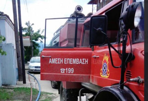 Φωτιά πήρε αυτοκίνητο στην εθνική οδό Αθηνών - Λαμίας