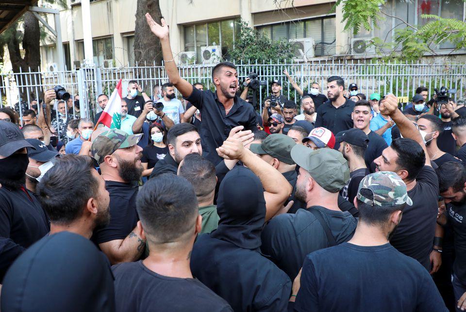 Λίβανος – Εκρήξεις και πυροβολισμοί στη Βηρυτό – Τουλάχιστον δύο νεκροί