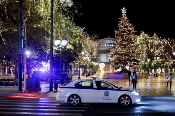 Κοροναϊός - Σε κόκκινο συναγερμό μέχρι τα Χριστούγεννα - Μόνος δρόμος εμβόλιο και μέτρα προστασίας, λένε οι ειδικοί