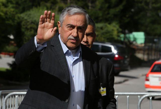 Τουρκία – Διαψεύδει το ΥΠΕΣ ότι απαγορεύτηκε η είσοδος στη χώρα στον Ακιντζί και άλλους 41 Τουρκοκύπριους