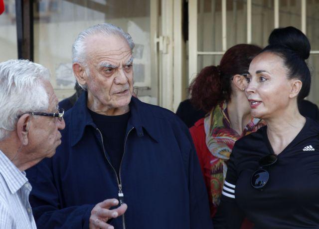 Βίκυ Σταμάτη – Έξαλλη μετά τις κατηγορίες της ξαδέρφης του Άκη Τσοχατζόπουλου ότι τον κακομεταχειριζόταν
