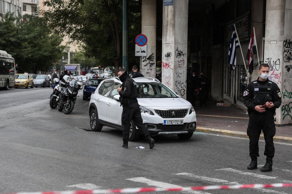 Εικόνες σοκ – Καταδίωξη κλεμμένου αυτοκίνητου από αστυνομικούς