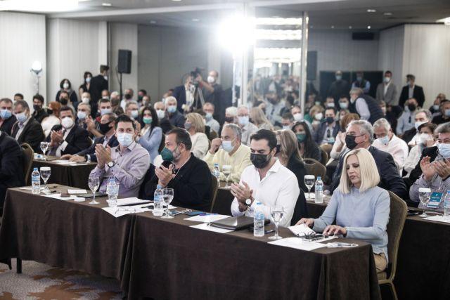 Μαίνεται ο εμφύλιος στο ΚΙΝΑΛ για τις 5.000 υπογραφές – Τι απαντά η πλευρά Γεννηματά